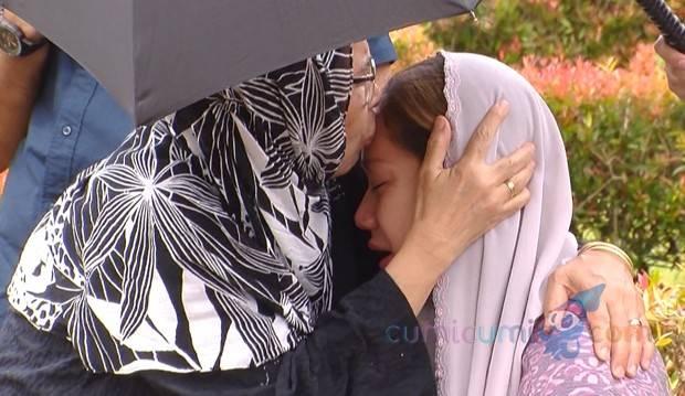 Keluarga Ashraf Sinclair Pulang ke Malaysia, Pesan Ibu Mertua Pada BCL Bikin Mewek