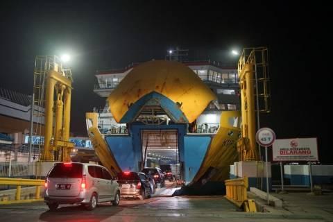 Jelang Larangan Mudik, 132 Ribu Penumpang Tiba di Pelabuhan Bakauheni Lampung