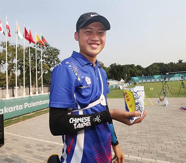 亞運》射箭比賽也能吃科學麵   台灣選手解壓奇觀