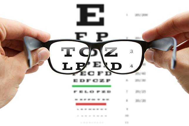 โรคสายตาสั้นเทียม คืออะไร