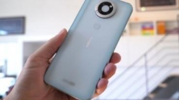 其實 HMD Global 做出了經典手機 Nokia N95 的重製復刻版