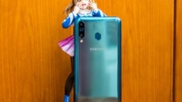 6.4 吋大螢幕、5000 mAh 大電量,Samsung Galaxy A40s 全面實測
