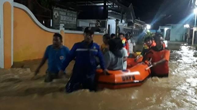 Sejak Dini Hari, Banjir Landa Jakarta dan Bekasi, Listrik Mati