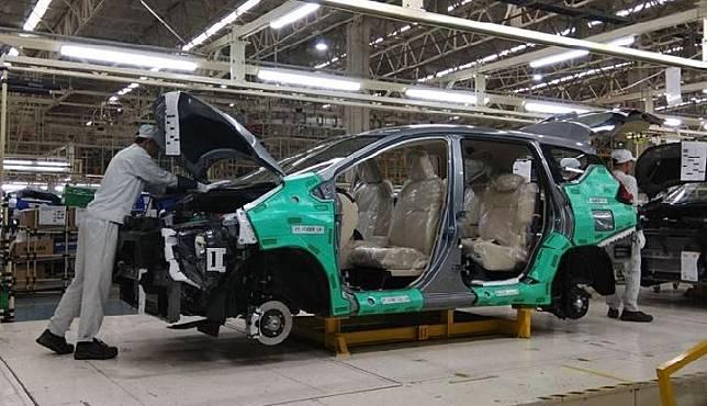 Pabrik ini memiliki kapasitas produksi hingga 160 ribu per tahun. Mitsubishi Xpander ditargetkan diproduksi sebanyak 5.000 unit per bulan. 3 Oktober 2017. TEMPO/Wawan Priyanto.