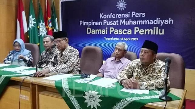 Pimpinan Pusat Muhammadiyah menggelar konferensi pers bertajuk Damai Pasca Pemilu di Kantor PP Muhammadiyah di Yogya Kamis (18/4/2019). Tempo/Pribadi Wicaksono