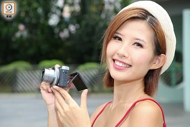 備有1吋CMOS及4.2倍光學變焦鏡頭。(莫文俊攝)