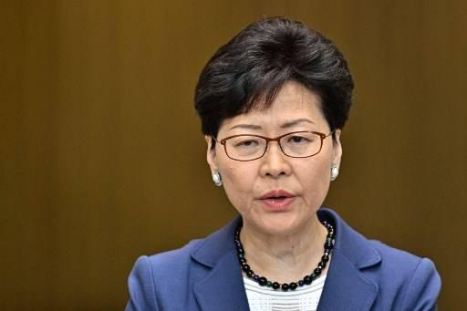 คณะผู้บริหารเกาะฮ่องกงออกแถลงการณ์ยอมร้บทำให้ประชาชนผิดหวังและเสียใจ Anthony WALLACE / AFP