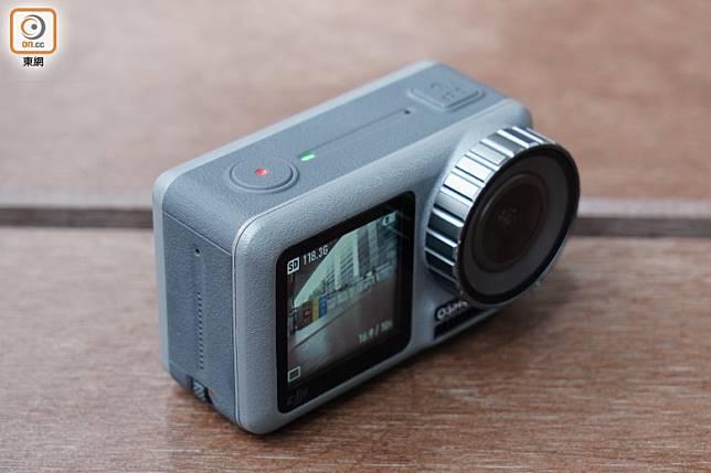 內置1/2.3吋感光元件,配備靚聲揚聲器,播片時就更傳神了。(方偉堅攝)