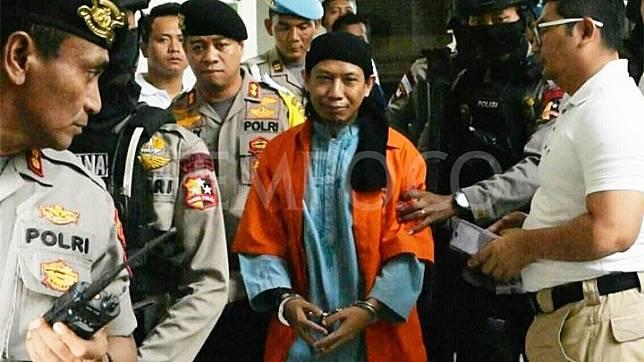 Baru Dua Menit, Hakim Ketua Skors Sidang Vonis Aman Abdurrahman