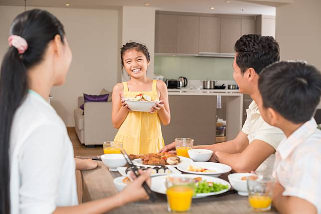 Inilah Manfaat Ritual Makan Malam Bersama Keluarga Bagi Anak