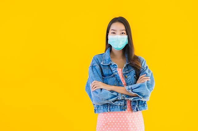 Tips Kulit Tetap Glowing di Balik Masker ala Wanita Korea