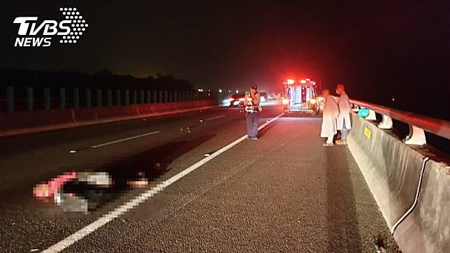 南投縣國道6號草屯路段驚傳死亡車禍。圖/TVBS