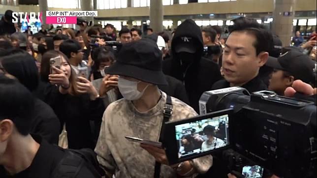 EXO成員昨日低調現身機場,出發赴日。