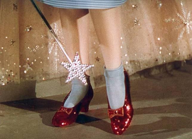 Percaya nggak kalau sepatu ini dihargai 1 miliaran jika dirupiahkan?