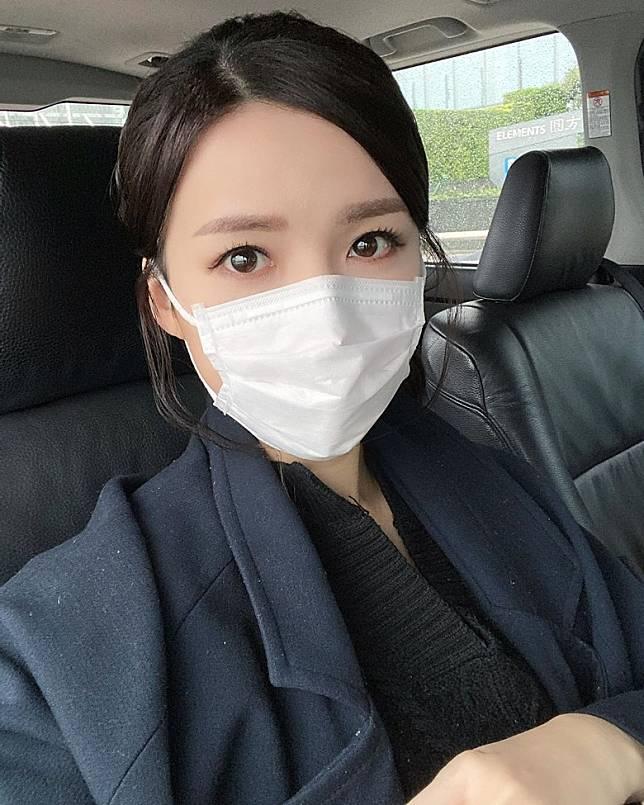 孫慧雪與李君妍今早一同開工,拍攝時大家都冇戴口罩。