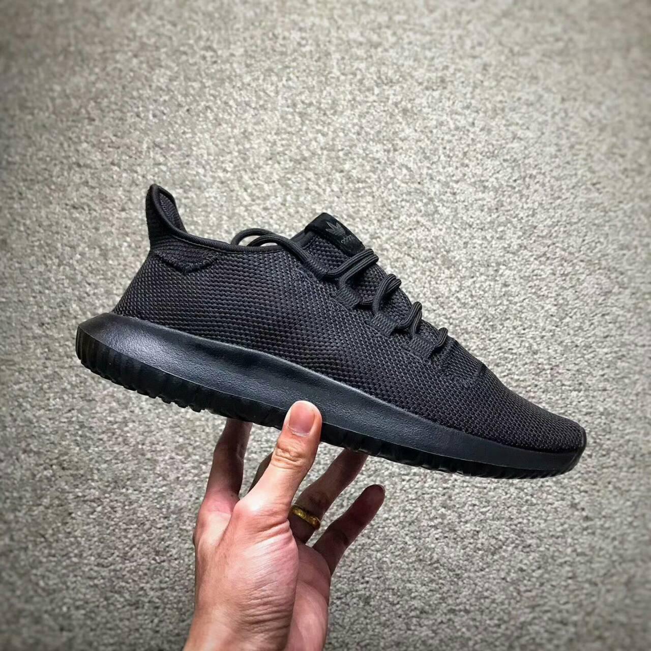Adidas original Tubalar Shadow 簡版小椰子 純黑編織 情侶款。運動,戶外與休閒人氣店家Mansmall 運動休閒館的ADIDAS、Tubalar有最棒的商品。快到日本NO