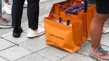 Louis Vuitton x Supreme 首爾發售現場,比耐力還要比行頭