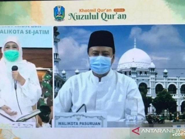 Gubernur Khofifah dan Kepala Daerah Se-Jatim Khataman Al-Quran