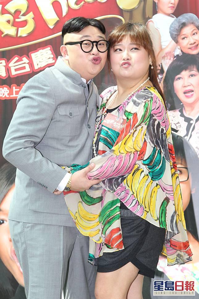 「徐小姐」造型令人聯想到細細粒(陳嘉佳),兩人曾拍《老表,你好hea!》咀嘴戲。