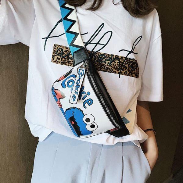 上新小包包女潮韓版洋氣卡通單肩包時尚百搭斜背胸包腰包 港仔會社