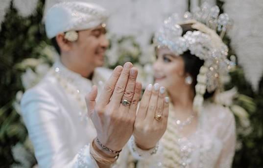 Cerita Tiwi Eks T2 yang Enggan Bertatapan Muka saat Pertama Bertemu dengan Suami