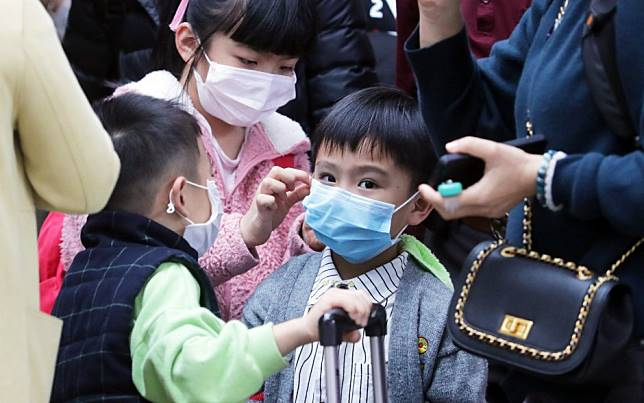 China coronavirus: Hong Kong leader Carrie Lam declares highest level of emergency, schools to remain closed and marathon cancelled