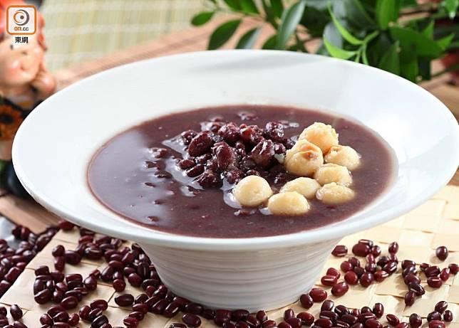 在眾豆之中,綠豆最寒,紅豆最熱,但與其他食材配合,性質就變得溫和宜人。(互聯網)