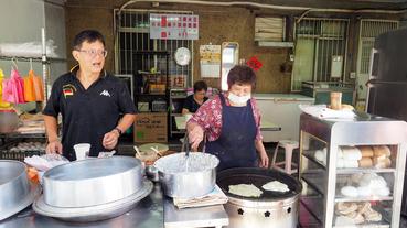 【板橋早餐推薦】超Q彈板橋粉漿蛋餅 無名隱藏在板橋光正街 經營三十多個年頭