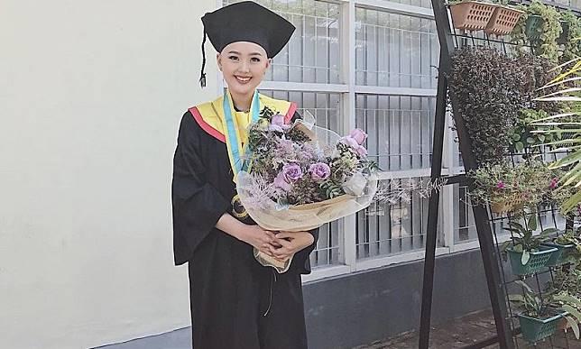 Kisah Penyintas Kanker Nadya Valerie Jadi Lulusan Terbaik S2 Universitas Airlangga