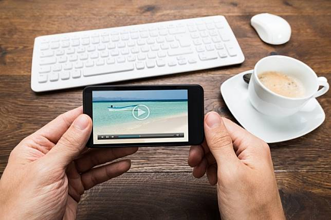 New data by Google has revealed that Indonesians consume information and news mostly through online videos.