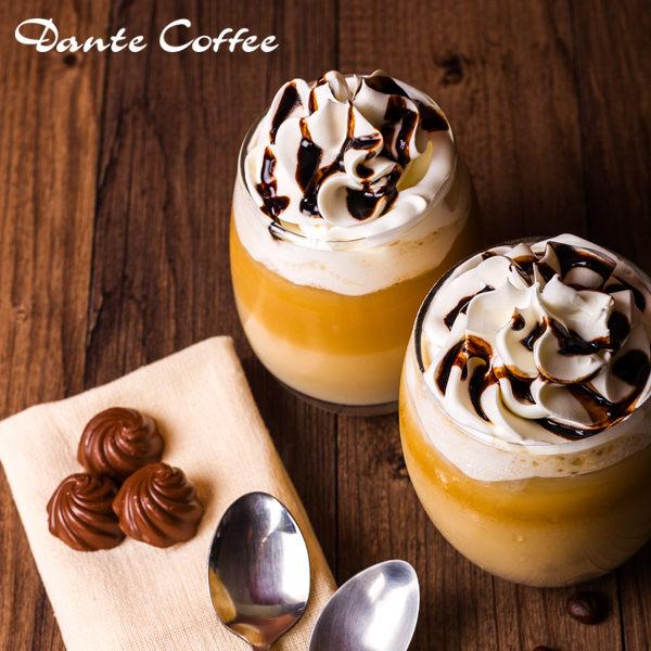 用100%阿拉比卡咖啡豆,頂級濃純的鮮奶混合ESPRESSO、巧克力醬,是杯具巧克力香的花式咖啡。