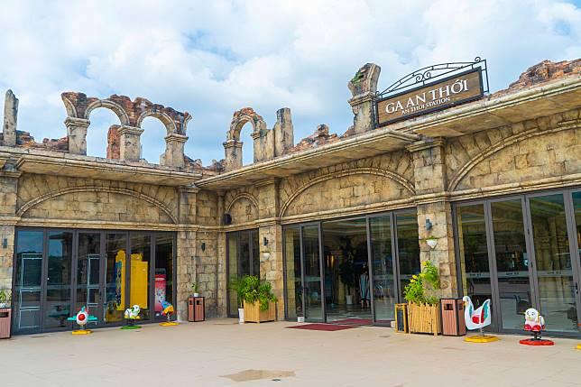 自然公園採用了古羅馬的建築風格,在起點安泰站已有點穿越時空的感覺。