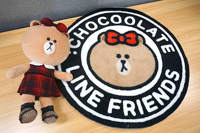 最後還有別注版地毯,於:CHOCOOLATE專門店購買兩件或以上指定單品滿$1,200就可換到。