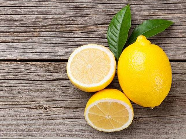 Khasiat lemon via Organic Facts
