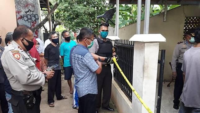Fakta-Fakta Penemuan Jasad Pasutri di Bekasi hingga Dievakuasi Petugas Ber-APD Lengkap