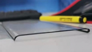 曲面邊角近乎垂直! 保護貼洩漏華為 Mate 30 Pro 螢幕設計特色