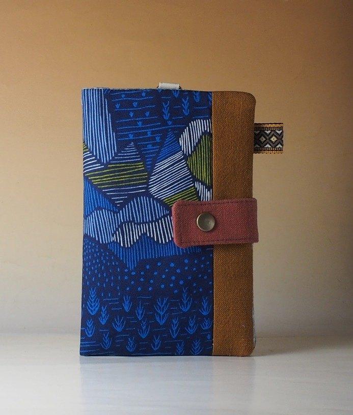 旅遊/生活良伴,功能齊全:可以放一枝筆、一本輕薄筆記本、一些錢和護照。