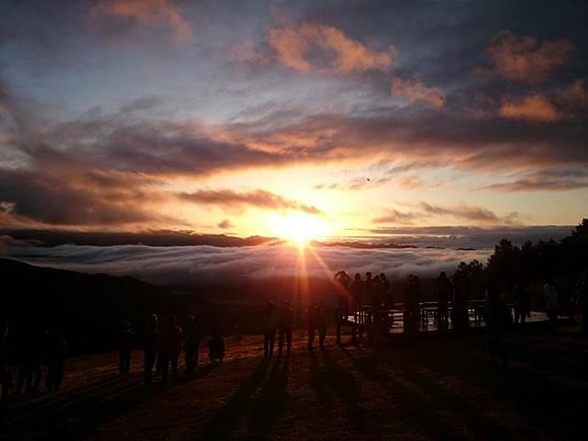 在這裏還有各式各樣的活動,包括曙光Tour,帶大家去觀賞極美的日出。(互聯網)