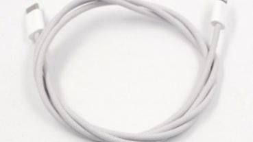 改用仿布質紡織物料 iPhone 充電線有望更耐用