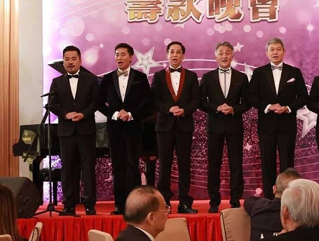 吳岱融、歐瑞偉與曾偉權一同拍《牛下女高音》。