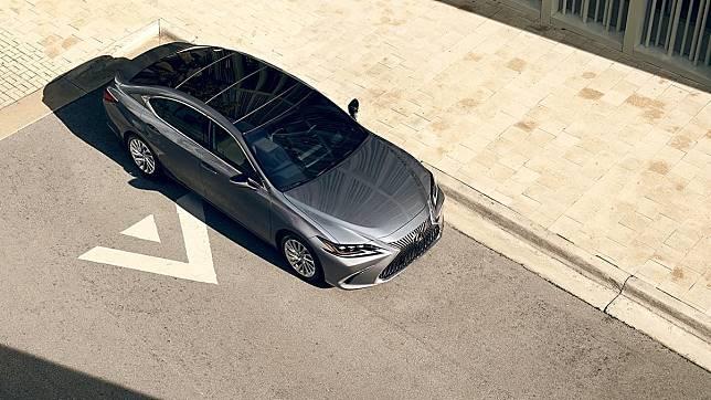 Lexus seri ES yang menjadi salah satu kandidat mobil kepresidenan RI