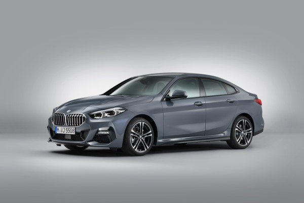 P90370622_highRes_the-all-new-bmw-2-se.jpg