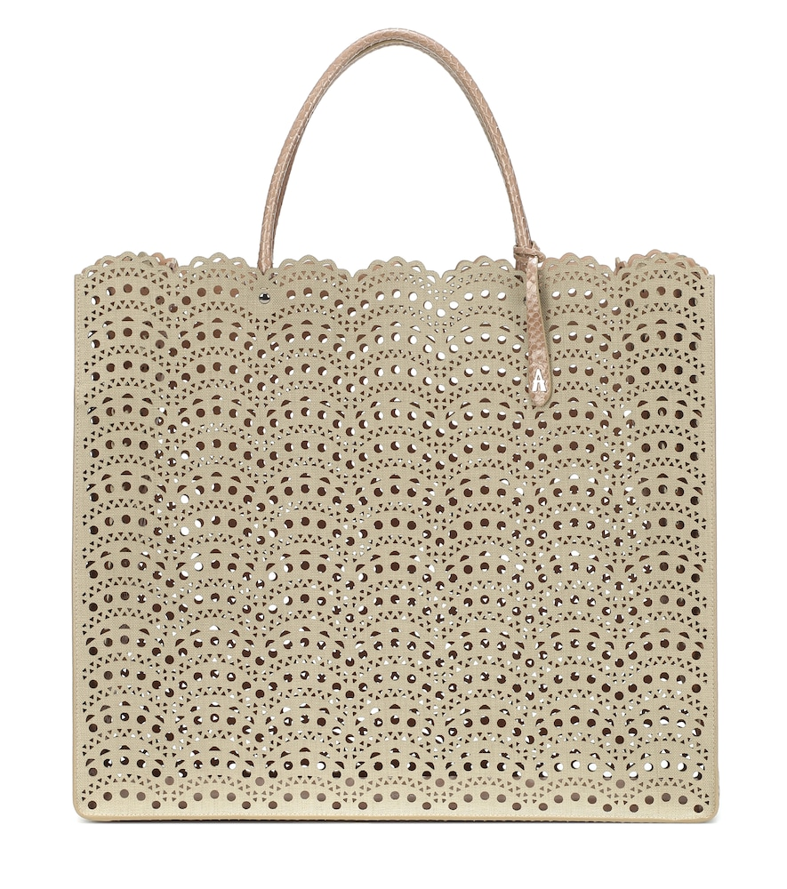 This beige tote from Alaïa is an elegant installment to your everyday wardrobe.