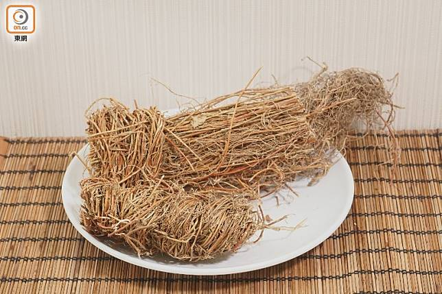 雞骨草有清肝解毒的功效,可用煲成湯或涼茶。(莫文俊攝)
