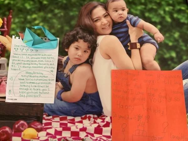 10 Pesona Bunga Zainal, Ibu Dua Anak yang Bak Masih Remaja