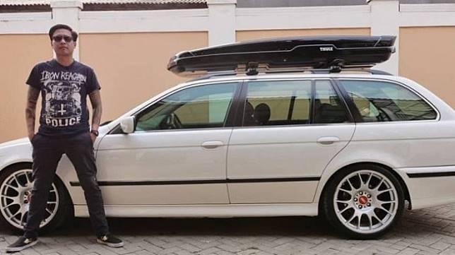 BMW E39 528i Milik Gofar Hilman. (Instagram/pergijauh)