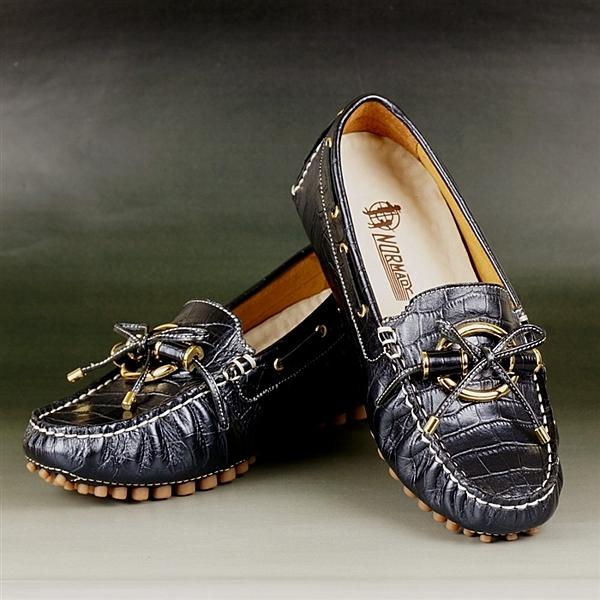 ◆貴氣豆豆鞋外型 如運動機能鞋般全能n◆台南老師傅手工縫製n◆紐澳進口軟牛皮n◆最適合台灣人腳型