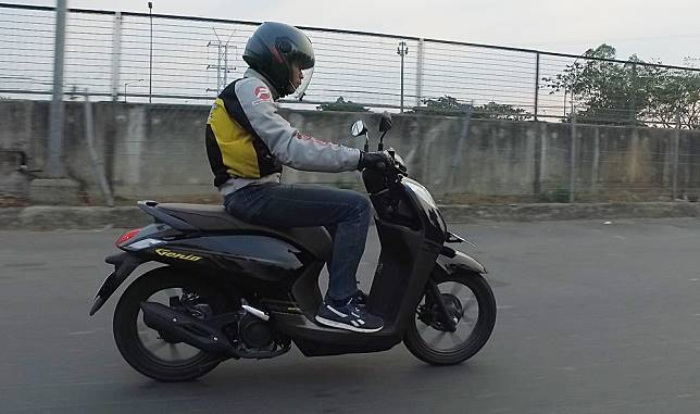 Test Ride Honda Genio