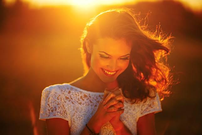 4 Zodiak Ini Terlahir untuk Membuat Orang Lain Bahagia