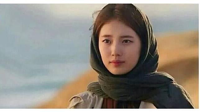 7 Pesona Bae Suzy Saat Kenakan Hijab, Tuai Pujian